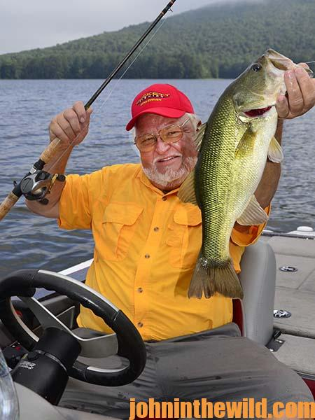 Captain Phillip Criss Tells About a Day of Fishing on Lake Guntersville in August and September - 1