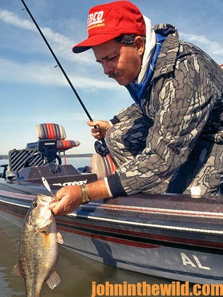 Double Down with Spoon Tactics to Catch February Bass with Charlie Ingram 01