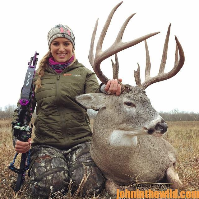 Real Eva Shockey and Her Dad, Jim Shockey, on Her Saskatchewan Deer Hunt  - 3