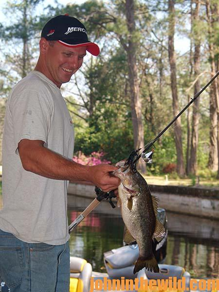 Rick Clunn Buzzes February Bass Up 2