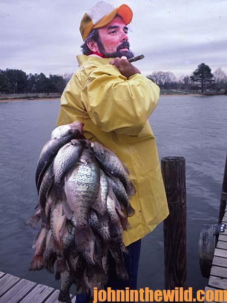 Where to Build Crappie Attractors with Guide Steve McCadams - 3