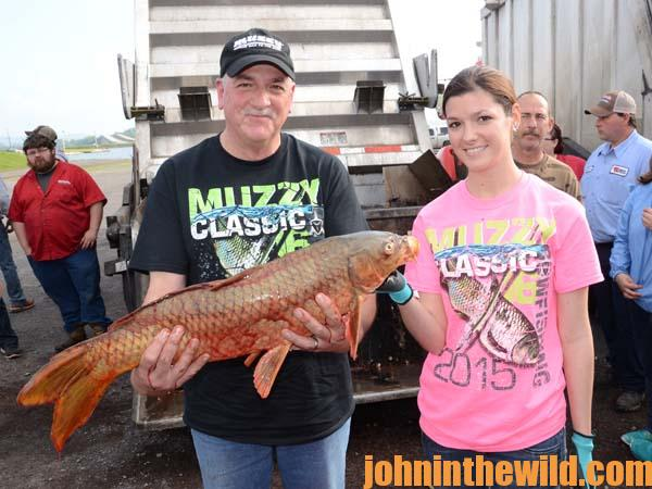 the sport called bowfishing