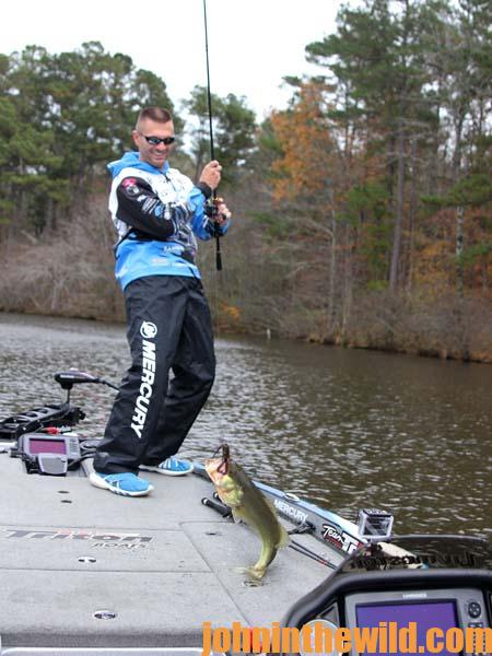 How and When Junk Fishing for Bass Pays Off for Randy Howell 3