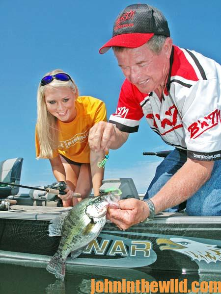 Know the Speed of Your Crappie Jig, Learn to Read A Depth Finder, and Use Fish Attractants Roger Gant 4