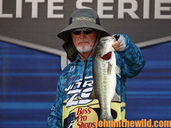 How to Find Bass in the Rising Mud with Rick Clunn17