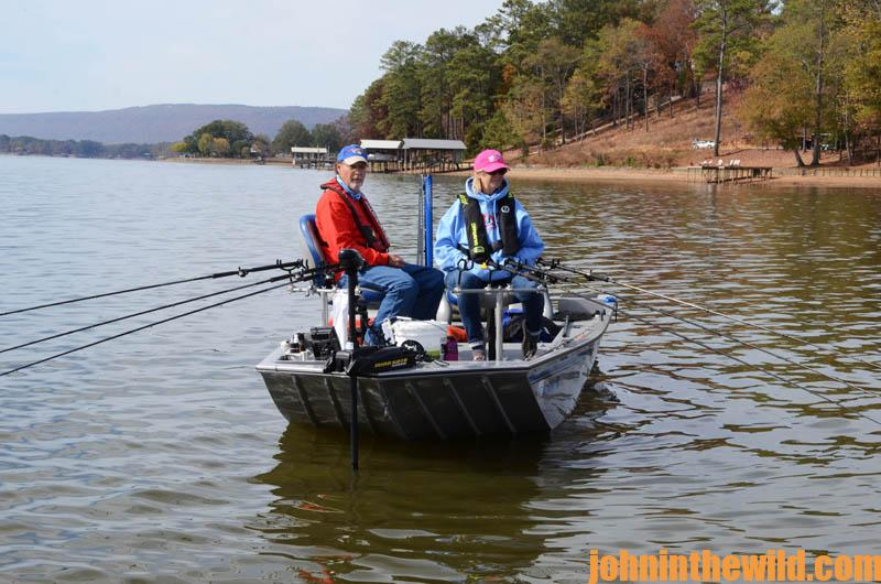 Spider rigging and using small hooks in thick brush for for Spider rigs for crappie fishing